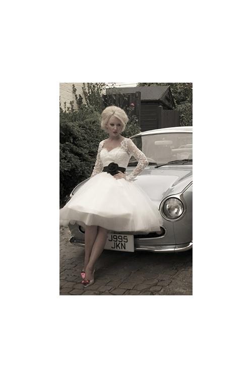 Long Sleeved Lace Bodice A-line Tulle Wedding Dress with Black Ribbon