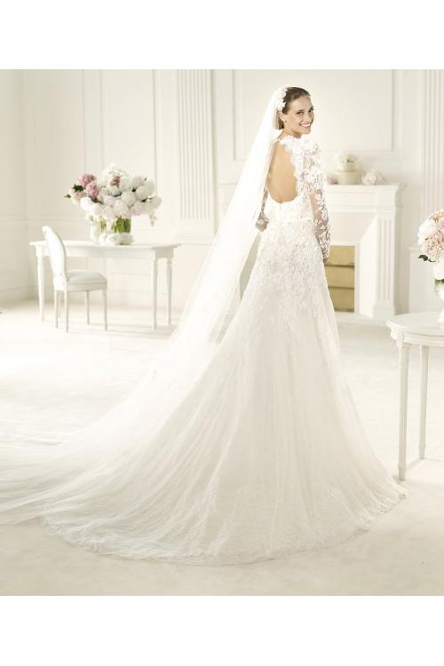 Honorable A-line Long Sleeve Beading Lace Hand Made Flowers Sweep/Brush Train Tulle Wedding Dresses