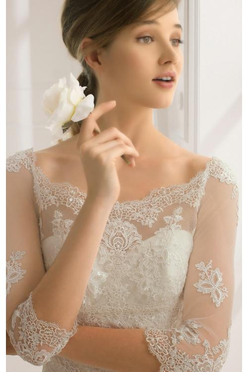 3/4 Sleeved Patterned Fit Flared Lace overay Tulle Wedding Dress
