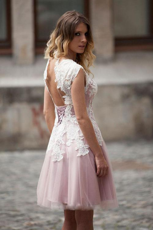 A-line Bateau Cap Sleeve Appliques Lace Knee-length Short Prom Dress