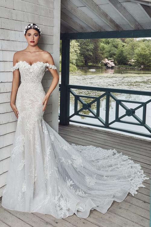 Trumpet/Mermaid Off-the-shoulder Lace Hand Made Flowers Cathedral Train Exquisite Long Wedding Dresses