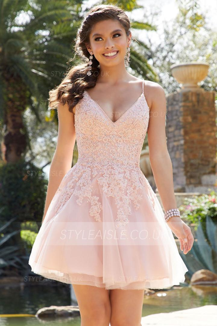 A-line V-neck Sleeveless Lace Appliques Beading Mini Short Cocktail Dresses