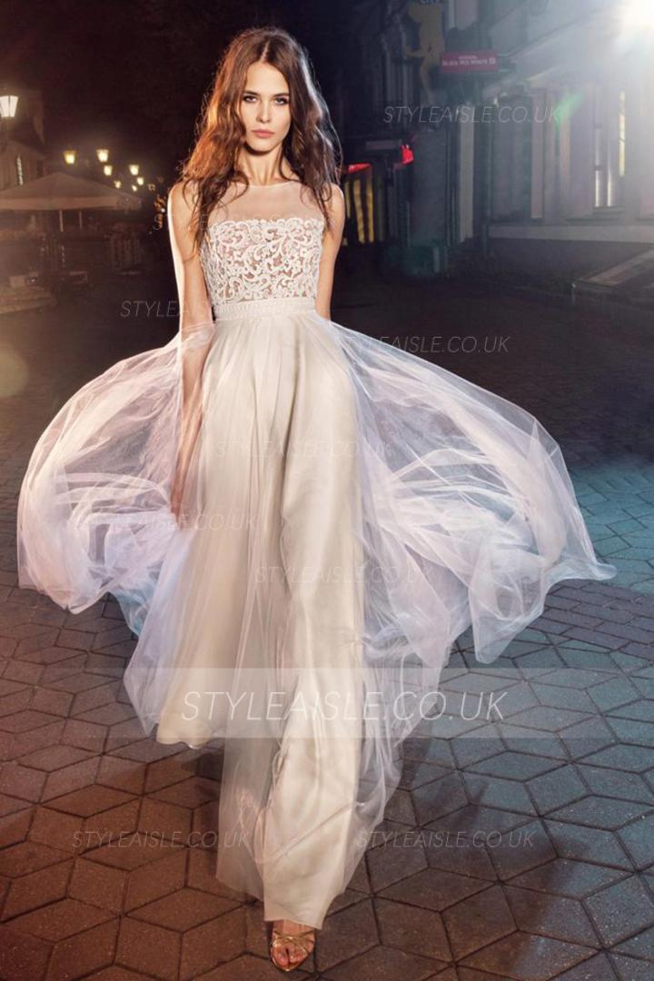 A-line Bateau Neckline Sleeveless Lace Appliques Floor-length Long Tulle Prom Dresses with Buttons Back