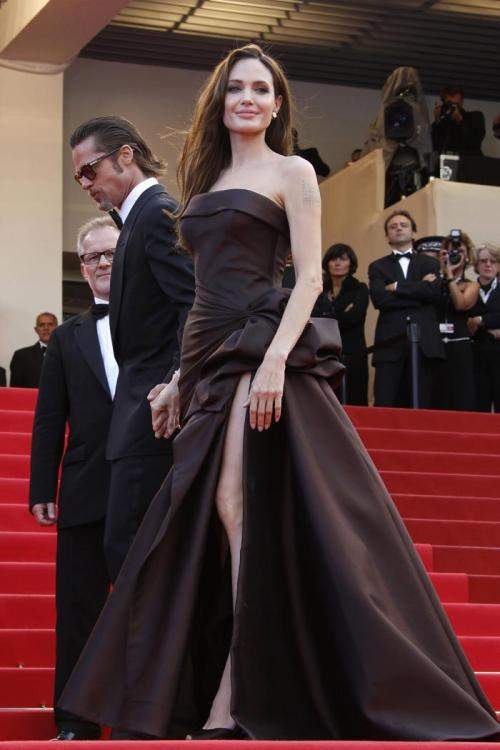 Angelina Jolie Cannes A-line Strapless Split Floor-length Prom Dress