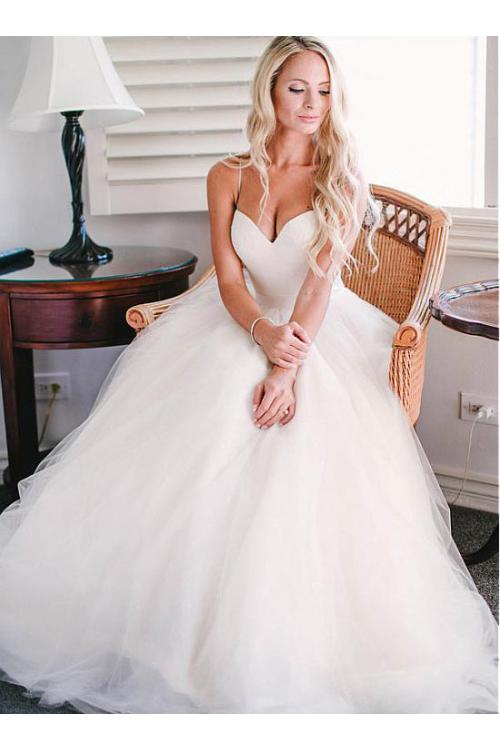 Simple Timeless Ball Gown Strapless Sweetheart Tulle Wedding Dress with Ribbon