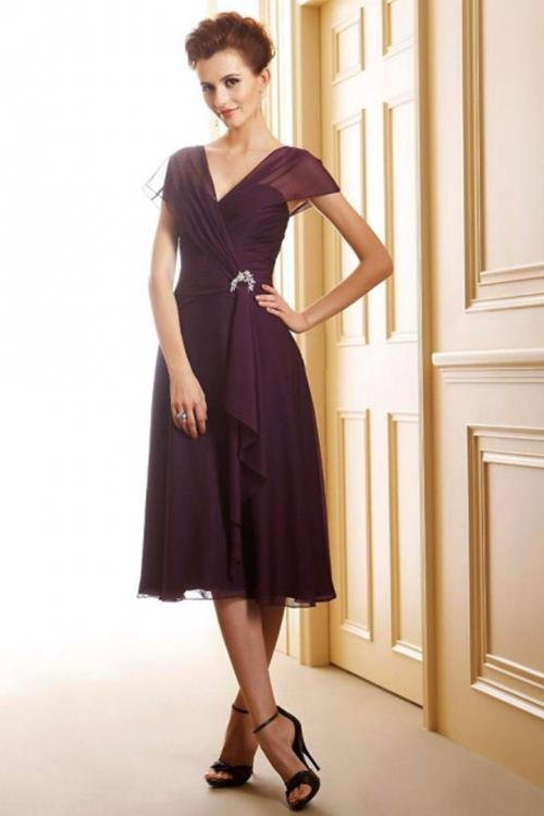 Petite Sleeveless A-line Tea Length Eggplant Chiffon Mother of the Bride Dress