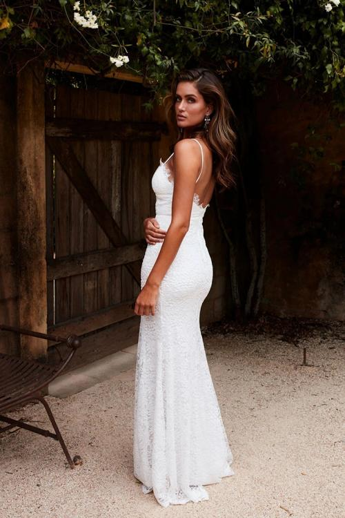 Elegant Sheath/Column Spaghetti Straps Sleeveless Lace Split Floor-length Long Wedding Dresses