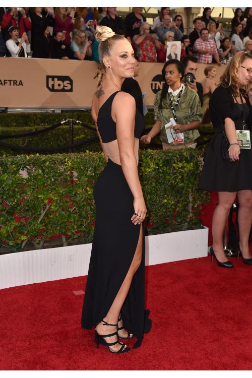 Kaley Cuoco at Screen Actors Guild Awards Asymmetrical One Shoulder Long Balck Chiffon Prom Dress