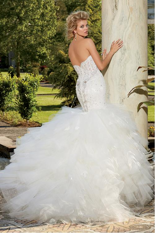 Modern Strapless Sweetheart Ruffled Wedding Dress with Beaded Detail On Top