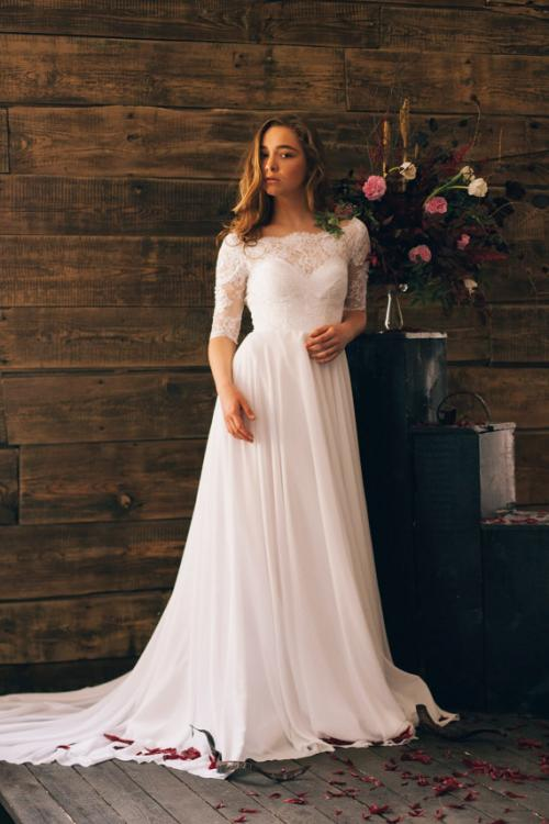 Vintage Half-sleeve Lace Bodice A-line Long Chiffon Wedding Dress