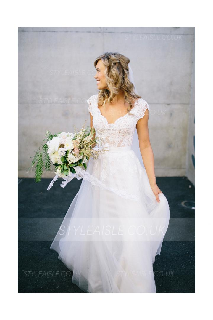 Short Sleeved V Neck Lace Bodice A-line Tulle Wedding Dress with Bow Ribbon