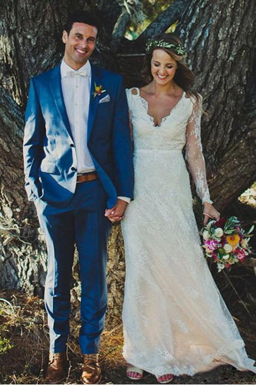 Vintage Boho Long Sleeve Lace Pattern Wedding Dress with Ribbon