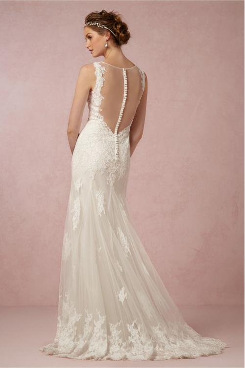 Sleeveless V Neck Lace Appliques A-line Tulle Wedding Dress