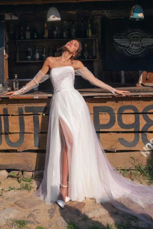 A-line Strapless Long Sleeves Lace Appliques Ruching Split Sweep/Brush Train Long Tulle Wedding Dresses