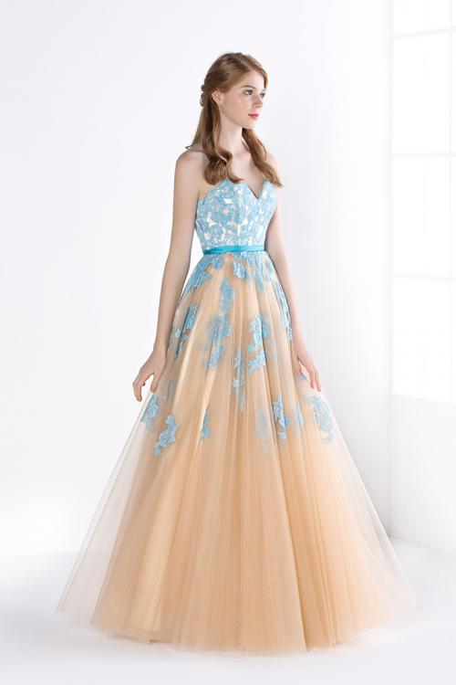 Ball Gown Sweetheart Lace Appliques Long Champagne Tulle Prom Dress with Ribbon
