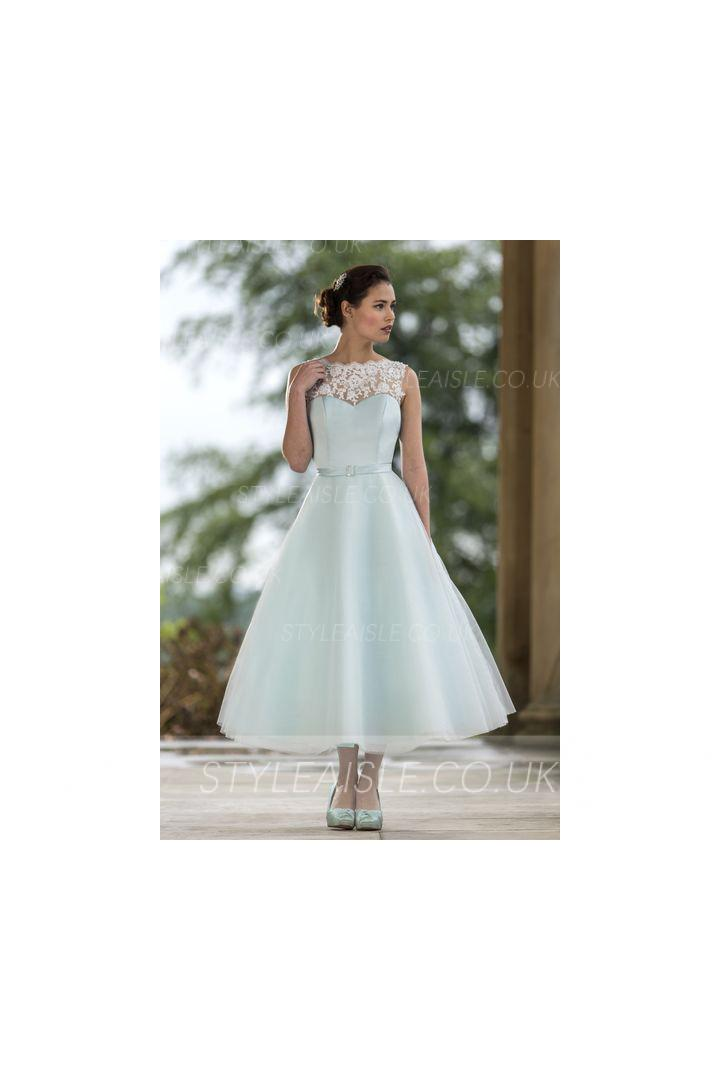 Tea Length Bateau Neck Lace Covered Bodice A-line Tulle Bridesmaid Dress with Ribbon