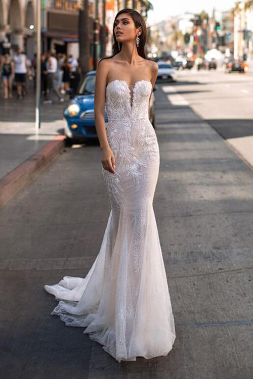 Trumpet/Mermaid Sweetheart Neckline Sleeveless Lace Appliques Beading Court Train Long Wedding Dresses