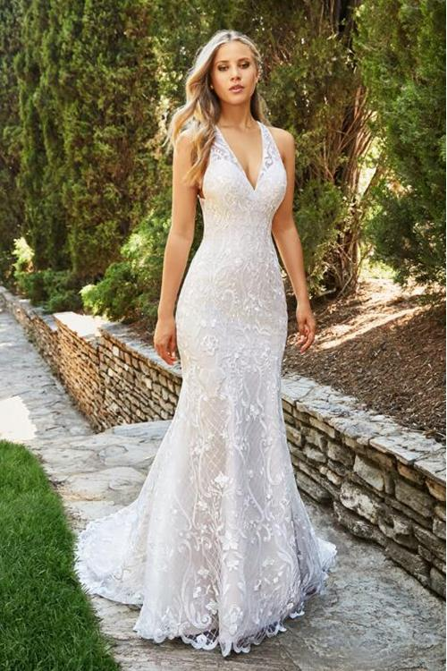 Sexy Backless V Neck Lace Patterns Long Fit Flared White Tulle Wedding Dress  ... 85caf0dfaa79