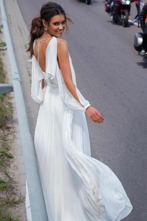 A-line Shoulder Straps Long Sleeve Beading Lace Pleated Floor-length Long Wedding Dresses
