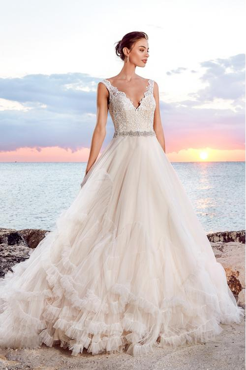 Pretty Sleeveless Princess A-line Tiers Tulle Wedding Dress with Beaded Belt