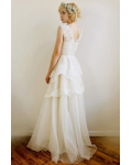 Sleeveless Jewel Neck A-line Long Lace and Organza Wedding Dress