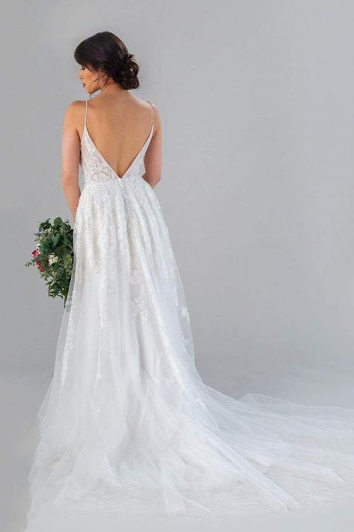 A-line Spaghetti Straps Sleeveless Beading Lace Ruching Court Train Long Tulle Wedding Dresses with Buttons