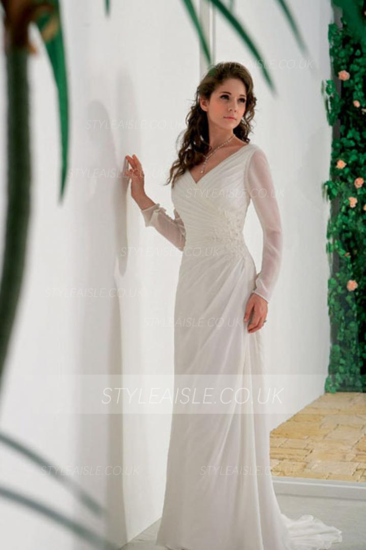 Charming A-line V Neck Long Sleeved Chiffon Wedding Dress