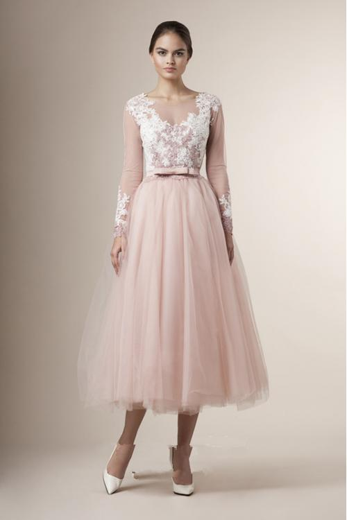 Tea Length Illusion Neck Long Sleeve Lace Pearl Pink Tulle Bridesamid Dress with Ribbon