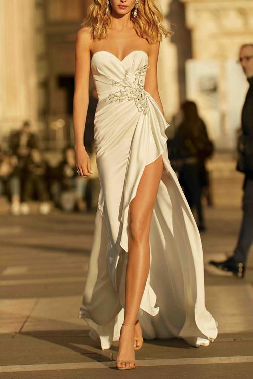 Elegant Sweetheart Neckline Sleeveless Lace Appliques Side-Draped Split Sweep Train Stretch Satin Long Evening Dresses