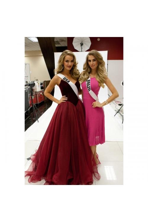 Elegant Sweetheart Princess Ball Gown Basque Wasit Long Burgundy Tulle Prom Dress