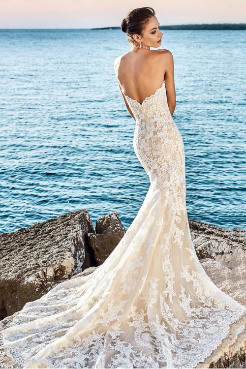 Elegant Sweetheart Long Mermaid Beach Wedding Dress