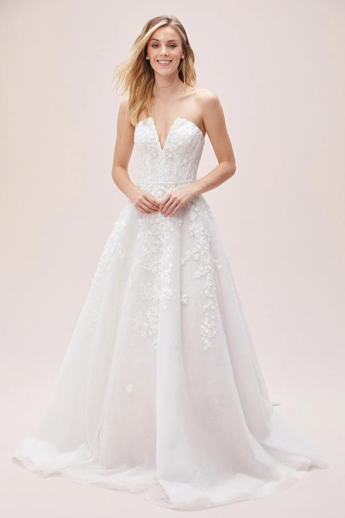 A-line V-neck Sleeveless Lace Appliques Court Train Long Tulle Wedding Dresses with Beading Sash