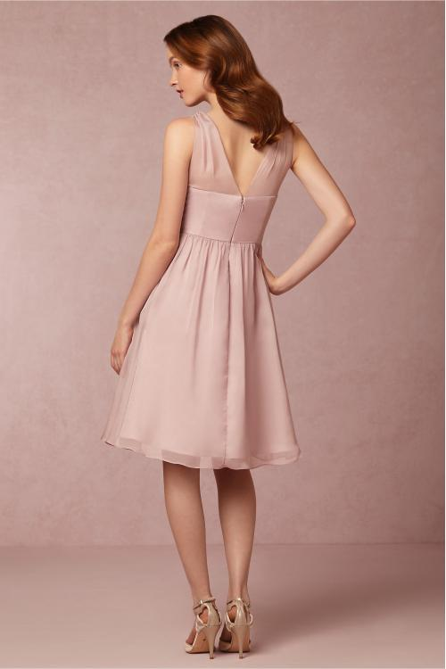Sleeveless Dusty Pink Chiffon Knee Length Bridesmaid Dress with Crystal Ribon