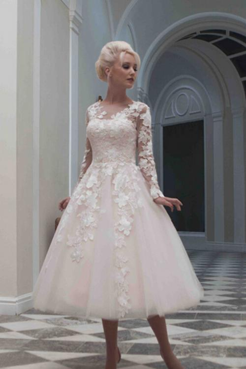 Simple A-line Sweetheart Hand Made Flowers Ball Gown Tulle Wedding Dresses