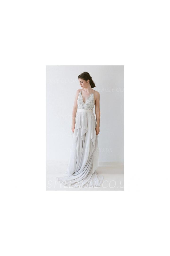 Sleeveless Backless Crystal Beading A-line Backless Long Chiffon Wedding Dress