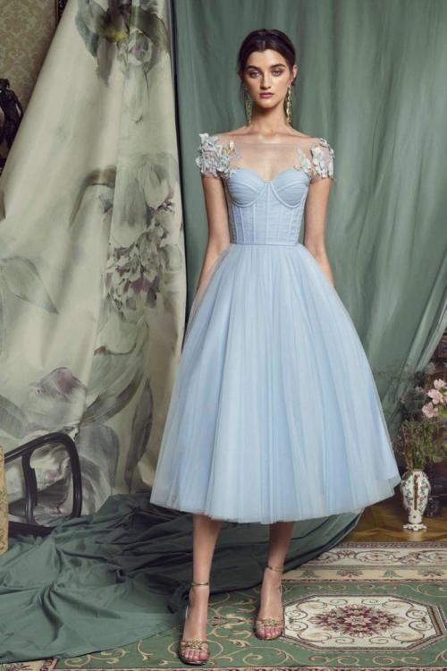 A-line Bateau Neck Cap Sleeves Appliques Ruching Tea-length Short Tulle Prom Dress