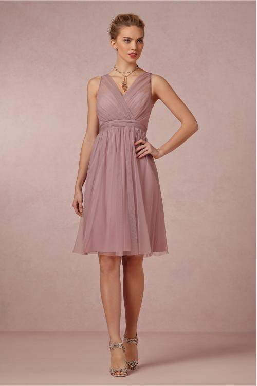 Pretty Knee Length V Neck Sleeveless Tulle Bridesmaid Dress