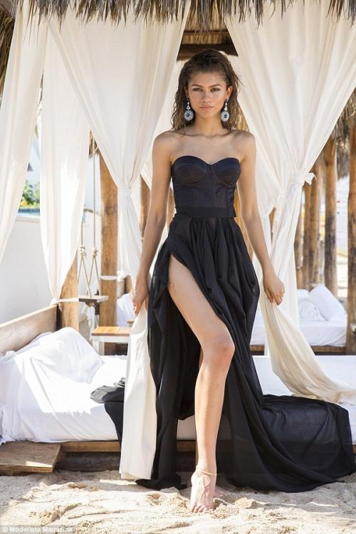 Sexy Strapless Slim Fitted Bodice Black Long Chiffon Split Beach Prom Dress