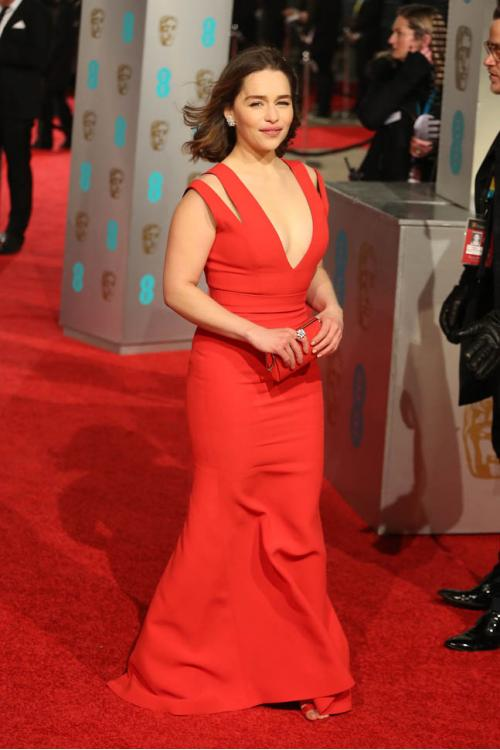 Chic Emilia Clarke Gwendoline Christie Long Sheath Red Jersey Prom Dress