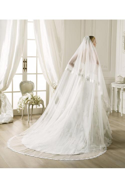 Charming Two-tiers Lace Tulle Wedding Veils