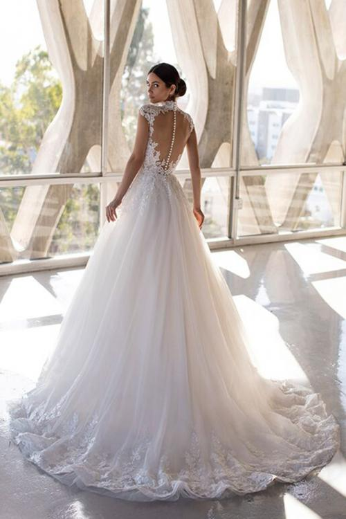 Sexy A-line High Neck Cap Sleeves Appliques Lace Sweep/Brush Train Long Tulle Wedding Dresses with Buttons Back