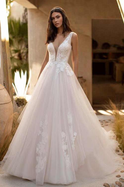 A-line Deep V-neck Sleeveless Appliques Lace Sweep/Brush Train Long Wedding Dresses