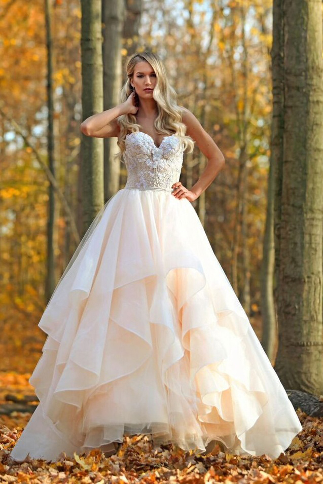 Strapless Sweetheart Lace Embroidery Ball Gown Ruffled Nude Organza Wedding Dress