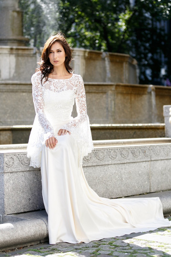 Charming A-line Vintage Long Flutter Sleeve Lace Chiffon Wedding Dress