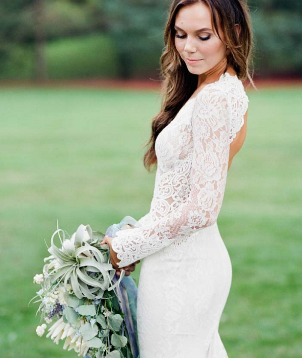 Deep V Neck Long Fit Flared Country Rustic Lace Wedding Dress with Long Sleeves