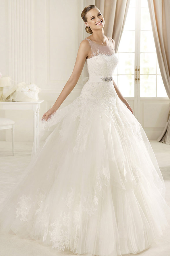 Honorable A-line Bateau Straps Beading Lace Sweep/Brush Train Tulle Wedding Dresses