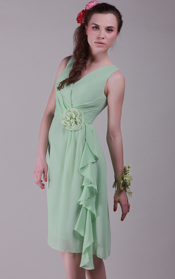 Knee-length Zipper A-line Sleeveless V-neck Bridesmaid Dresses