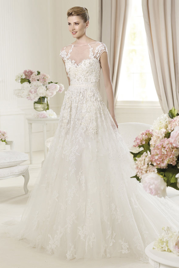 Honorable A-line Bateau Short Sleeve Beading Lace Hand Made Flowers Sweep/Brush Train Tulle Wedding Dresses