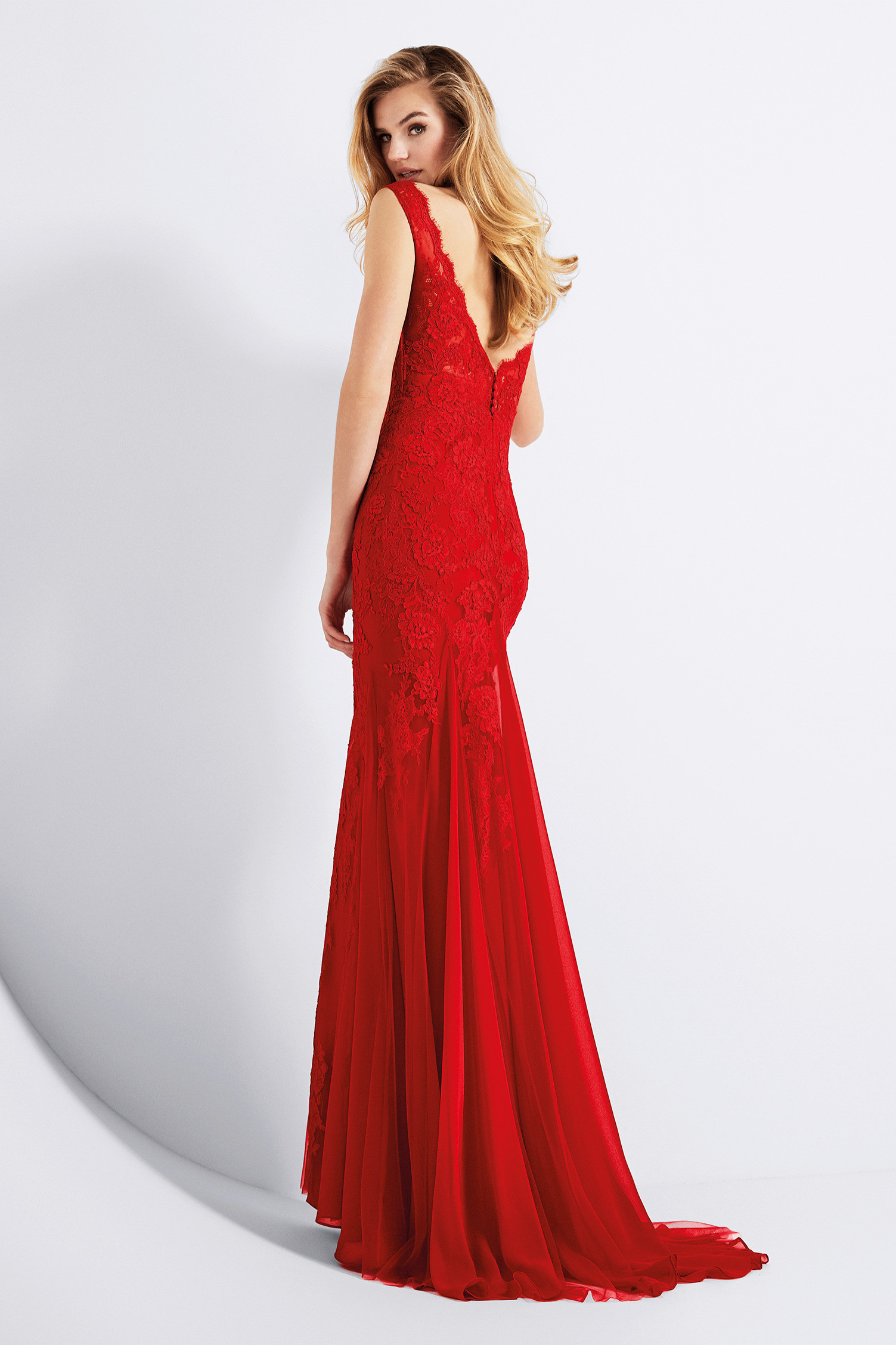 Beautiful Red Lace Appliques Mermaid Long Tulle Prom Dress