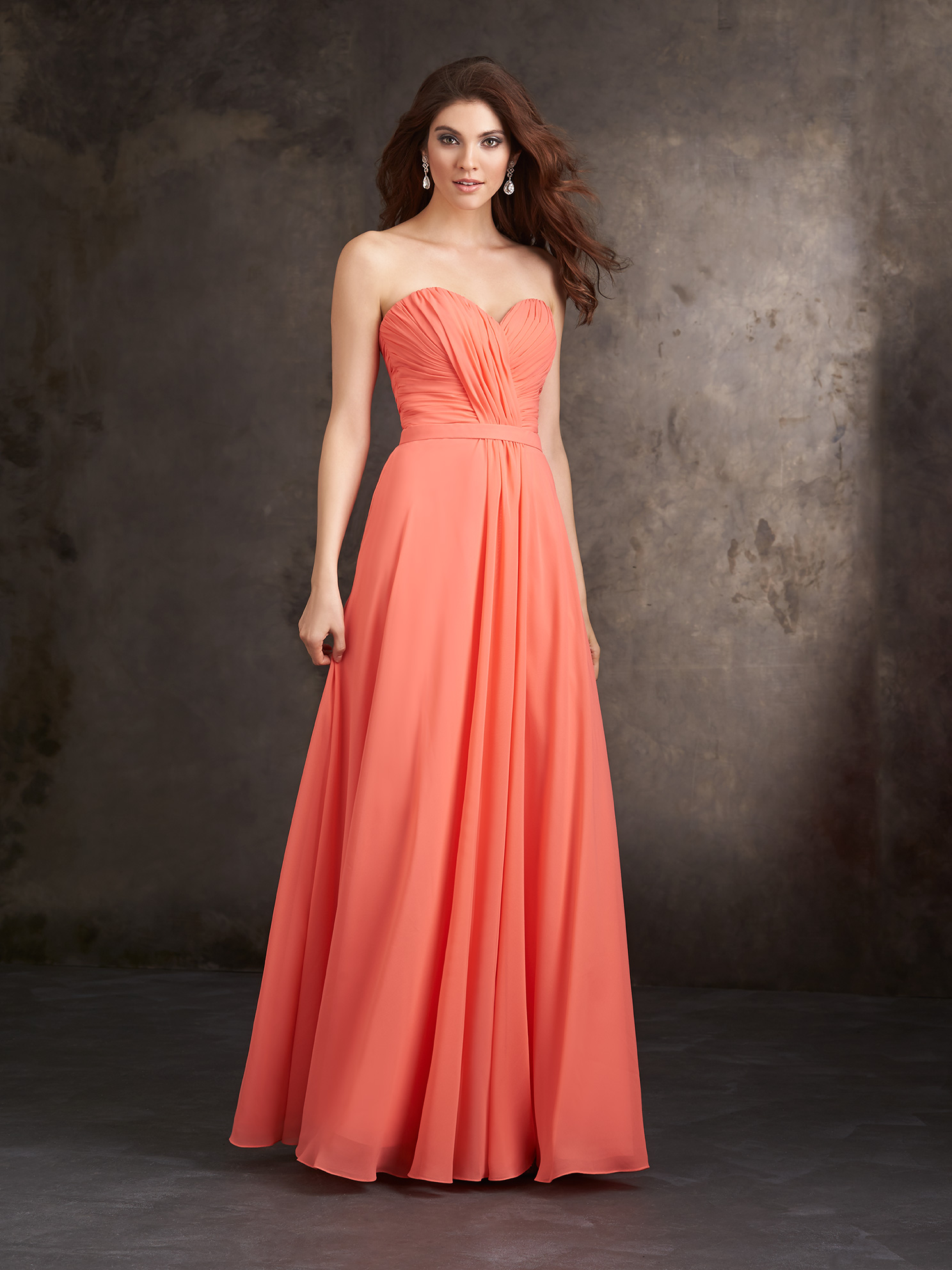Simple Strapless Sweetheart Pleated Long Chiffon Bridesmaid Dress with Ribbon _2